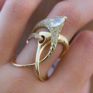 18k Yellow Gold White Sapphire Ring